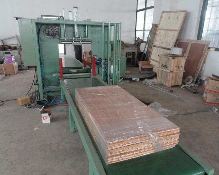 板材水平缠绕机