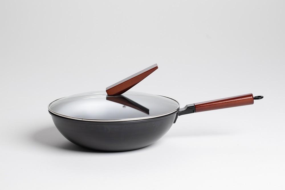 德卡曼铁锅